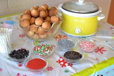 I think this is SUCH a great idea! Cute As A Fox posted about doing a cake pop fondue at a birthday party. I love fondue and i love. Just Desserts, Delicious Desserts, Dessert Recipes, Fondue Recipes, Fun Recipes, Cake Pops, Fondue Party, Good Food, Yummy Food