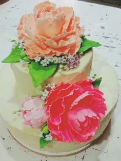 Peonies. Rustic wedding cake.