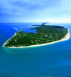 The great thing about North Captiva Island is you can only get there by boat or plane. Much better then lower Captiva or Sanibel....JL