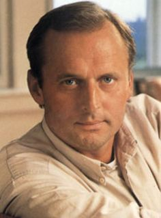 John Grisham One of my all-time favorite authors. Grisham's first novel, A Time to Kill, was rejected by a dozen publishers and 16 agents before breaking into print and launching Mr. Nicholas Sparks, Book Writer, Book Authors, I Love Books, Books To Read, John Grisham Books, Thriller Books, Mystery Thriller, Summer Reading Lists