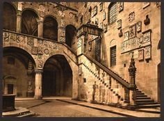 [Royal Museum, the court (i.e. Bargello Museum, the courtyard), Florence, Italy] (LOC) by The Library of Congress, via Flickr