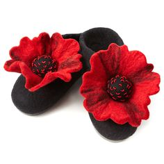 {Felted Poppy Slippers} I am in love with these. So over the top, so cute. Do you buy *yourself* gifts around the holidays?