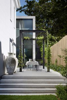 Woollahra's Orama House | featured in Habitusliving | Vitrocsa Sliding Doors