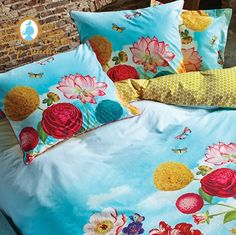 Pip wild flowerland multi bloemenprint blauw geel rood  fuchioa gele stip studio slaapkenner theo bot happy people