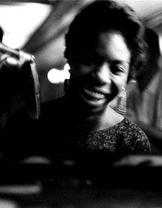 オンマカキャロニキャソワカ oM mahaa-k: Nina Simone, c. 1959