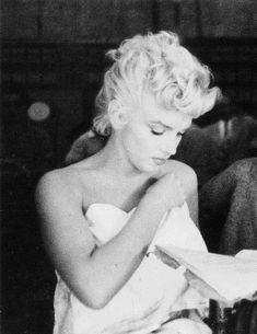 """""""Marilyn Monroe rehearsing the bath tub scene on the set of The Seven Year Itch, 1954. """""""