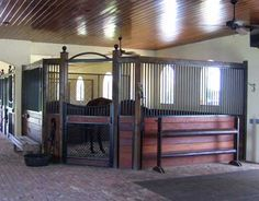 Loving these corner stalls, great for foaling stalls, easily made larger then standard stalls