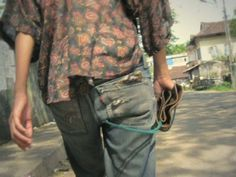 This is a documentary film that a girl wearing denim traveled over 50 countries in two years. The denim walks freely in the world, meets people, changes and fades.  film by Takayuki Akachi >> http://takayukiakachi.jp music by PEPE CALIFORNIA >> http://www.myspace.com/pepecalifornia