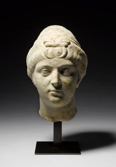 A Roman marble portrait head of the Empress Faustina the Elder. Circa A. Ancient Rome, Ancient Art, Roman Hairstyles, Art Romain, Roman Fashion, Historical Women, Roman Art, Sculpture Clay, Types Of Art