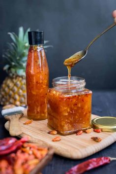 Sweet and spicy Chili Sauce with pineapple. Once you try This simple homemade Sweet chili sauce recipe, I am sure you would stop buying it from the store. Basic ingredients such as chili flakes,sugar,vinegar go into this beautiful sauce. The addition of p Thai Sweet Chili Sauce, Sweet Chilli, Spicy Chili, Red Chili, Sweet And Spicy Chicken, Sweet And Spicy Sauce, Chili Sauce Recipe, Sauce Recipes, Pasta Recipes