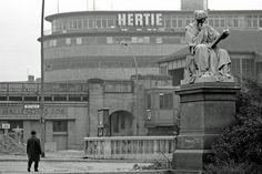 Hallesches Tor, Kreuzberg, 1970 Schön war die Zeit, als die Welt noch in Ordnung war - West-Berlin in pictures #120: Hallesches Tor, Berlin-Kreuzberg (1970) Stadtbilder / city views (von/by Heinrich...
