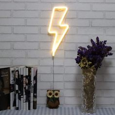 Neon Signs Lightning Bolt Battery Operated and USB Powered Warm White Art LED Decorative Lights Wall Decor for Living Room Office Christmas Wedding Party Decoration(NELNB) Neon Wall Signs, Neon Signs Home, Neon Light Signs, Led Neon Signs, Neon Lights Bedroom, Neon Sign Bedroom, Room Lights, Wall Decor Lights, Bedroom Lighting