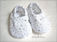 Chaussons pour bébé Blanc étoiles Argent Autour De Bebe, Vêtements Enfants,  Chaussons Bébé, b61af1d7028