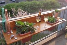 lovely little deck bar. hmmm instead of plants, fill with ice and beer or chil. lovely little deck bar… hmmm instead of plants, fill with ice and beer or chilled wine! Balustrade Balcon, Petits Bars, Deck Bar, Patio Bar, Backyard Bar, Backyard Patio, Gazebos, Balkon Design, Balcony Furniture