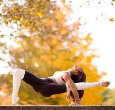 #yoga #black #white #minimal #style #outfit #idea #sport #fit #woman