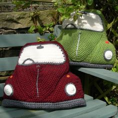 Beetle Cushion Cover pattern by Tracy Harrison (SnuginaDub) Volkswagen cushions! Crochet pattern for sale on RavelryVolkswagen cushions! Crochet pattern for sale on Ravelry Crochet Diy, Crochet Motifs, Crochet Home, Crochet Patterns, Crochet Cushions, Crochet Pillow, Cushion Cover Pattern, Cushion Covers, Pillow Covers