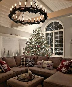 55 Gorgeous Christmas Living Room Decoration Ideas – Home – Weihnachten Christmas Time Is Here, Noel Christmas, Merry Little Christmas, White Christmas, Natural Christmas, Large Christmas Tree, Christmas Ideas, Christmas Cards, Christmas Living Rooms