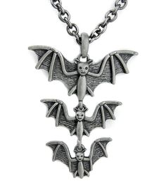 Vampire Bats Pendant Necklace Gothic Death Rock Halloween Munster Horror Cosplay