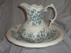 RARE VICTORIAN FULL SIZE F. WINKLE & CO. NANCY WASH PITCHER AND BASIN