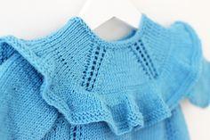 DANSEKJOLEN by Ministrikk.no: En så jentete kjole må gjerne strikkes i nydelig blåveis. Velg din favorittfarge og skap et helt eget uttrykk.
