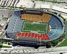 Old Soldier Field (I was there) Stadium Architecture, Mba Basketball, Baseball Park, Soldier Field, Sports Stadium, Football Stadiums, Chicago Bears, Track And Field, Aerial View