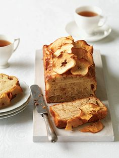 Apple Cake with Apple Wafers. Apple wafers are great for decorating cakes and desserts or adding to a cheese platter. Cheesecake Recipes, Dessert Recipes, Pinapple Cake, Cake Stall, Best Cake Recipes, Loaf Recipes, Just Bake, Bread Cake, Mini Cheesecakes