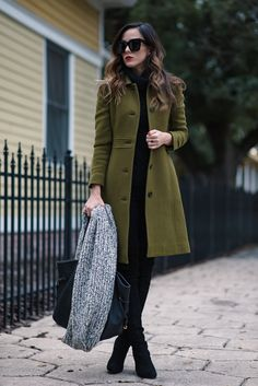 THE PERFECT LADY COAT BLACK CABLE KNIT TURTLENECK, OLD [GREAT QUALITY SIMILAR OPTION HERE * 50% OFF!   UNDER $50 SIMILAR OPTION HERE]   J.CREW DOUBLE CLOTH LADY COAT [I'M WEARING PETITE 000 FOR...