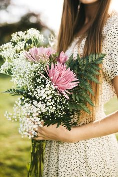 This would be a pretty bridesmaid bouquet for an outdoorsy wedding in the woods Bridesmaid Bouquet, Wedding Bouquets, Wedding Flowers, Flowers For You, Beautiful Flowers, White Flowers, Fresh Flowers, My Flower, Flower Power
