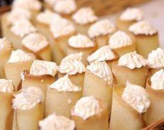 Cigarettes russes roulées à la chantilly allégée au rhum : http://www.fourchette-et-bikini.fr/recettes/recettes-minceur/cigarettes-russes-roulees-la-chantilly-allegee-au-rhum.html