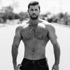 BEARDED BUDDY. #beardnation #barba #barbudo #lumberjack #beardporn #lumbersexual