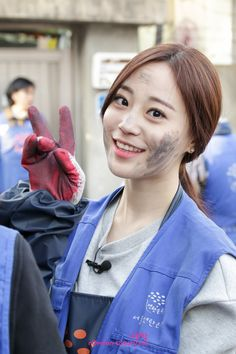 KARA's YoungJi @ KBS 'Let's Go Dream Team' / Let's Go Dream Team make a charity special episode to give a briquettes donation in this winter.