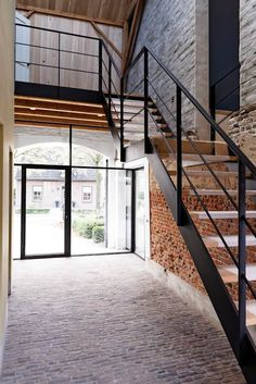Skylight and steel staircase rural corridors, halls & stairwells from odm architects - heritage & architecture rural Farmhouse Remodel, Farmhouse Interior, Modern Farmhouse, Farmhouse Decor, Interior Stairs, Home Interior Design, Residential Architecture, Architecture Design, Loft Design