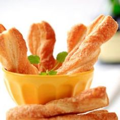 Get your morning sugar fix with these Cinnamon Bread Twists from the Food Network. A delicious breakfast UNDER 300 CALORIES! (This sounds simple, and delicious! Cinnamon Twists, Cinnamon Bread, Cinnamon Sticks, Cinnamon Rolls, Puff Pastry Dough, Frozen Puff Pastry, Breakfast Recipes, Snack Recipes, Cooking Recipes
