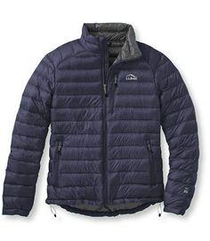 L.L. Bean Men's Ultralight 850 Down Jacket ¥25,000+税 品番TC290776 耐久性に優れたナイロン製パーテックス™素材を表地 850フィル・パワーのダウンテック™ダウンを中綿に使用 圧縮して本体のポケットに収納可 ゴム入りの袖が冷風の侵入を防ぎます 長時間のアウトドア・アクティビティにも、寒さの厳しい季節にも冬の間中大活躍のダウン・ジャケット。より密に織られた、耐久性に優れたナイロン製パーテックス™素材を表地に、撥水性と復元性を誇る850フィル・パワーのダウンテック™ダウンを中綿に使用。コード・ポートと携帯電話やミュージック・プレーヤーを入れられるポケットは、本体を圧縮して収納できるデザイン。両脇にジッパー付きポケット。裾にドローコード入り。洗濯機の使用可。