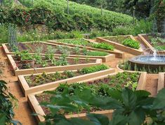 Potager Garden With Raised Beds And Fountain : The Attractive Potager Garden Style #potagergarden
