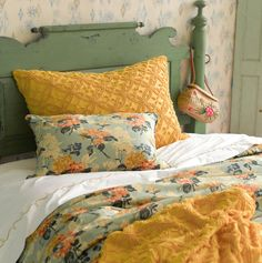 Beautiful colors...love the vintage look!  Nana's Attic | Pine Cone Hill