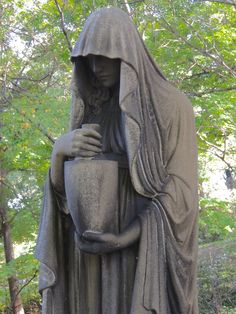 Hauntingly beautiful statue memorial grave marker, Lake View Cemetery, Cleveland, OH