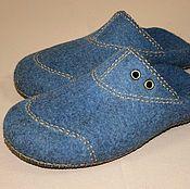 Купить или заказать Женские валяные тапочки 'Марсала' в интернет-магазине на Ярмарке Мастеров. Прелестные домашние тапочки-туфельки. Не слишком толстый, но очень плотный войлок. Тапочки удобно и комфортно сидят на ноге. Отделка - вязаная вручную манжета из натуральной бамбуковой пряжи. На пяточке - по две пуговки ручной работы. Подошва утеплена и укреплена дополнительной стелькой из натурального материала, обтянутой износостойкой искусственной кожей. (спасибо Алесе Исмагиловой за наук...