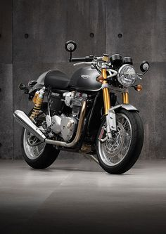 Triumph thruxton 1200 R Triumph Bonneville T120, Triumph Bikes, Triumph Motorcycles, Cars And Motorcycles, Cafe Racer Motorcycle, Motorcycle Gear, Scooters, Gone In Sixty Seconds, Motos Retro