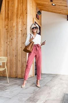 Office Outfits, Fall Outfits, Teacher Outfits, Fashion Outfits, Teacher Fashion, Office Wear, Summer Outfits, Grey Slacks, Nursing Clothes