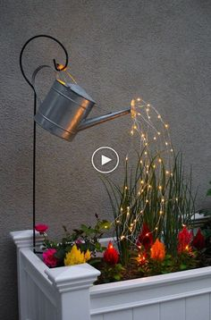 Watering Can with Fairy Lights – How neat is this? It's SO EASY to m… Glowing Watering Can with Fairy Lights – How neat is this? It's SO EASY to make! Hanging watering can with lights that look like it is pouring water. Diy Garden Decor, Garden Art, Garden Tools, Garden Club, Herb Garden, Garden Projects, Diy Projects, Glow Water, Patio Diy
