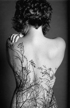 beautiful back tattoo + short hair.