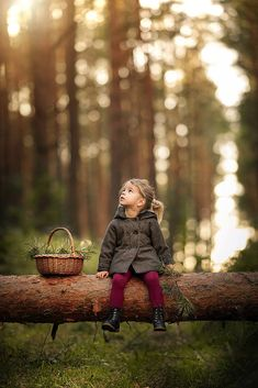 Little girl in a magical forest Little Girl Photography, Children Photography Poses, Cute Kids Photography, Autumn Photography, Family Photography, Outdoor Toddler Photography, Country Kids Photography, Indoor Photography, Little Girl Photos
