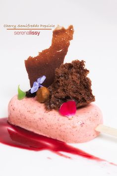Cherry Semifreddo Popsicle - Bachour-inspired modern plated dessert – we're making cherry semifreddo Popsicle this week in o - Sweets Recipes, Easy Desserts, Delicious Desserts, French Desserts, Pavlova, Microwave Sponge Cake, Cherry Popsicles, Tiramisu, Mousse