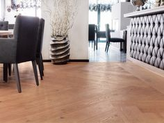 Overview of all references from mafi natural wood floors. See for yourself the benefits of using mafi natural wood floors in private as well as business areas! Natural Wood Flooring, Hardwood Floors, Hotel Lobby, Grand Hotel, Commercial Interiors, Wood Species, Hotels, Wood Floor Tiles, Wood Flooring