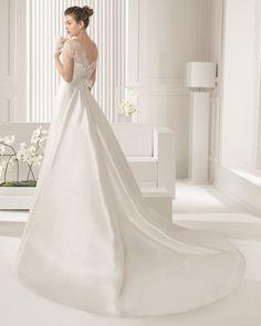 Carisma novia tejido encaje rebrode pedreria y mikado de seda