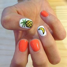 Tropical nail art designs are in vogue because summers give you unlimited options to flaunt your nails in peppy styles. Orange Nail Art, Orange Nails, Super Cute Nails, Pretty Nails, Tropical Nail Art, Tropical Nail Designs, Pineapple Nails, Fruit Nail Art, Cute Nail Art