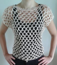 Blusa em crochê tamanho M <br>Material: linha 100% polipropileno