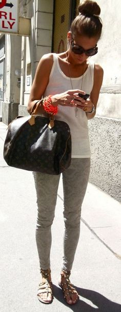 For some reason, I really love the look of LV when paired with super simple, casual outfits!