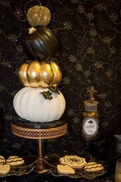 Glam Halloween pumpkin wedding cake